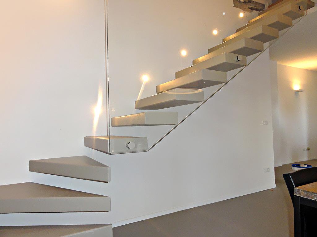 Rivestimenti in resina dimensione scala - Rivestimenti scale interne in legno ...